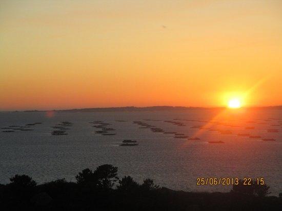 Hotel O Castro: con quien disfrutarías esta puesta de sol???
