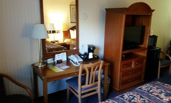 Mirage Inn & Suites: room 2