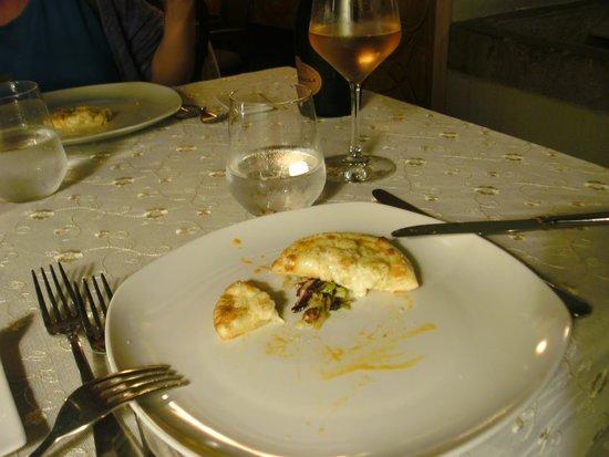 Capitolo Primo: Gruß aus der Küche:kleine sizilianische Pizza