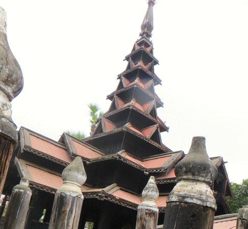 Bargaya Monastery : the pagoda