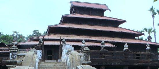 Bargaya Monastery : 5-tier roof