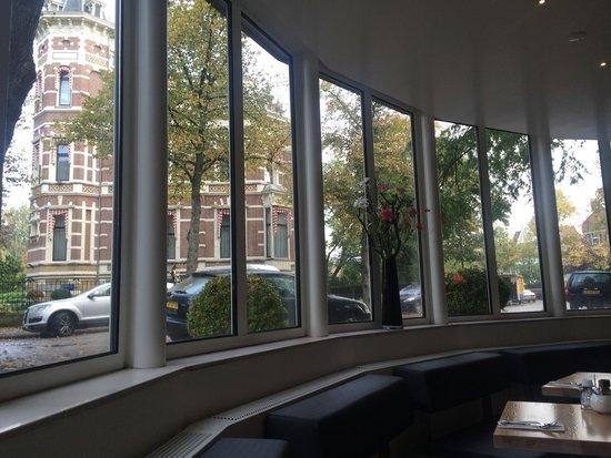 Park Plaza Vondelpark, Amsterdam: vista do café da manhã