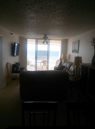 Hamilton House Condominiums: Unit 303, view from the dining area out towards to ocean. Beautiful view!