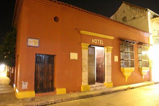 Hotel Puertas de Cartagena: Fachada do hotel