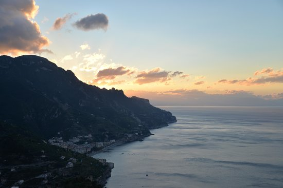 Hotel Villa Fraulo: Sunrise view from our suite