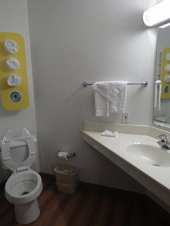 Motel 6 Benson: bagno