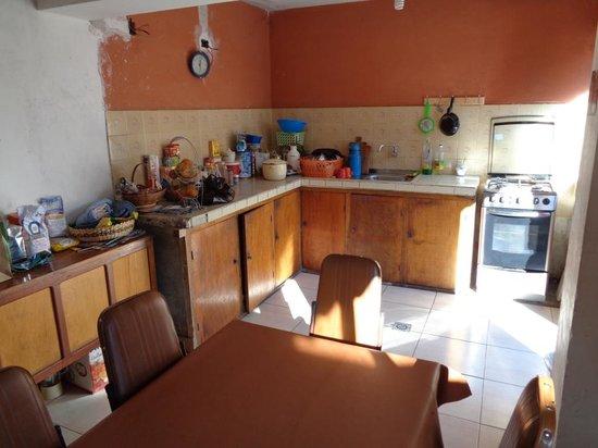 Homestay Bertha Sucre : The shared kitchen