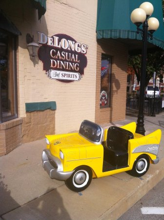 DeLongs Casual DIning : Cute little cars around town