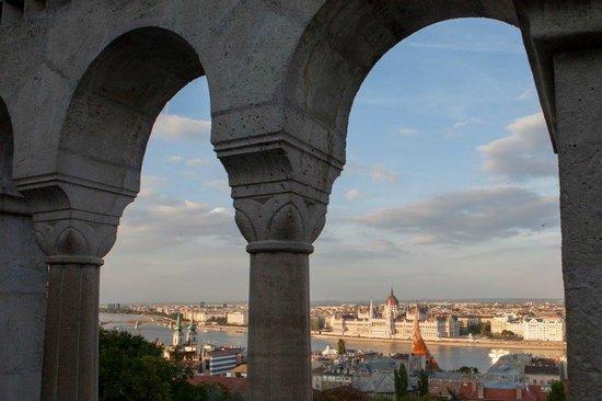 Pogacia Photo: A view through the arches of Buda Castle