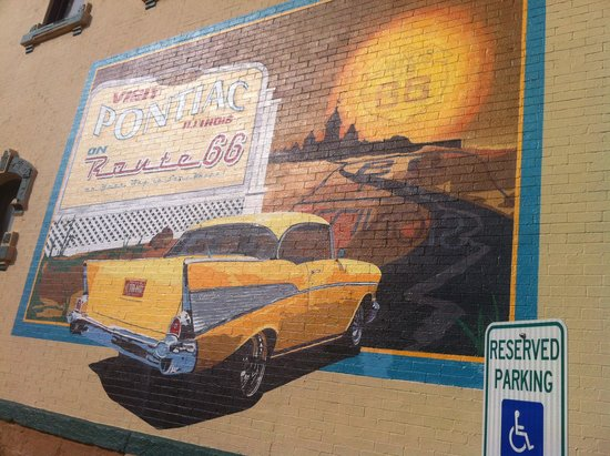 DeLongs Casual DIning : Mural outside building