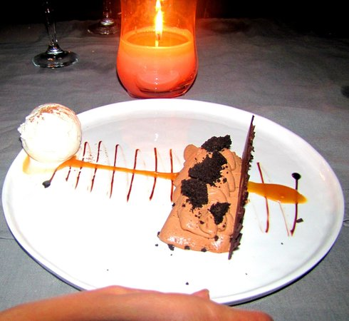 Kapari Wine Restaurant: Amazing chocolate mousse