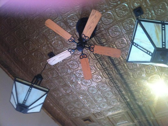 DeLongs Casual DIning : Beautiful tin ceiling and original fans