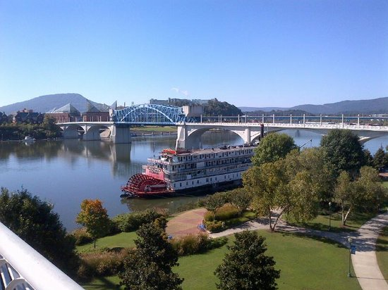 The Chattanoogan: Beutiful area 25 minute walk from hotel