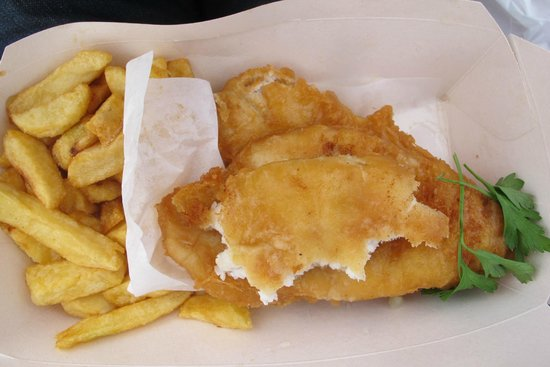 Sea Breeze Guest House: Classic Fish'n'Chips