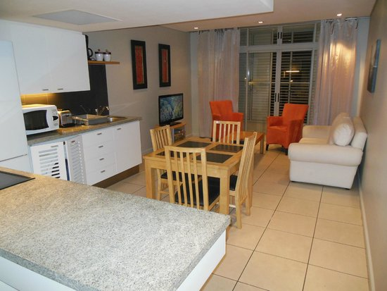 Harbouredge Apartments: Integrated kitchen and living room.