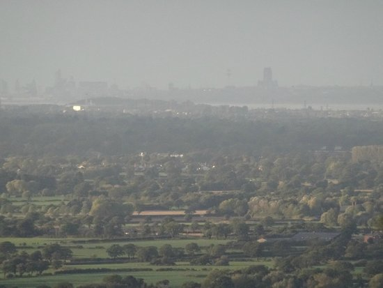 Sandstone Trail: Zoomed view of Liverpool from Bickerton Hill