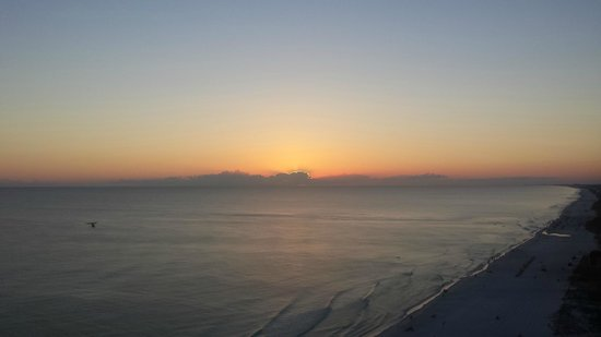 Emerald Isle Resort and Condominiums : Sunset from the balcony