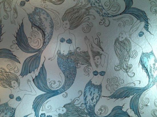 The Wayfarer: Wallpaper in guest room