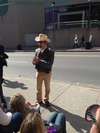 Walkin' Nashville - Music City Legends Tour: Bill telling a story outside the Ryman