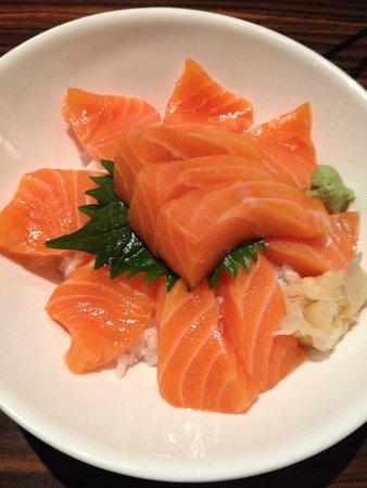 Sushi Time Japanese Restaurant: Salmon Don