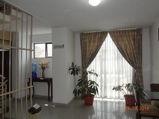 Sala de reuniones picture of hostelling bustillo sucre for Sala de reuniones