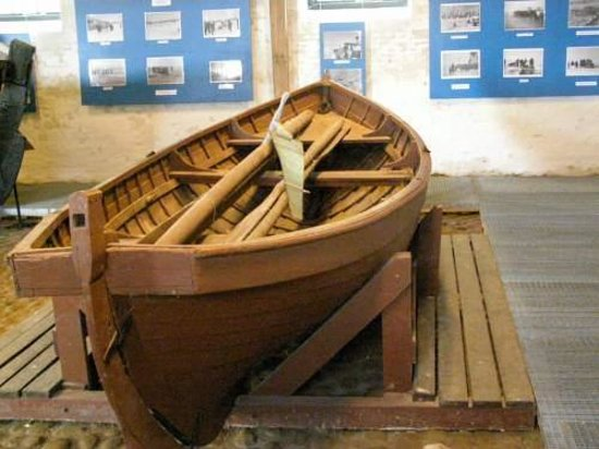 Korsoer, Denmark: Isredningsbåd.