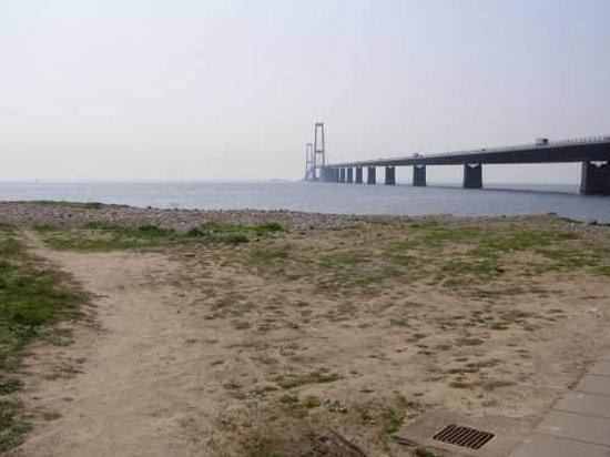 Korsoer, Danmark: Storebæltsbroen set fra Korsør.