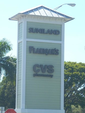 Suniland Plaza Shopping Center