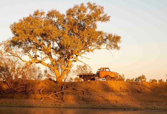 Outback Pioneers: Paddlewheeler cruise 1