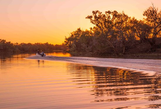 Longreach, Australia: Sunset view from paddlewheeler 1