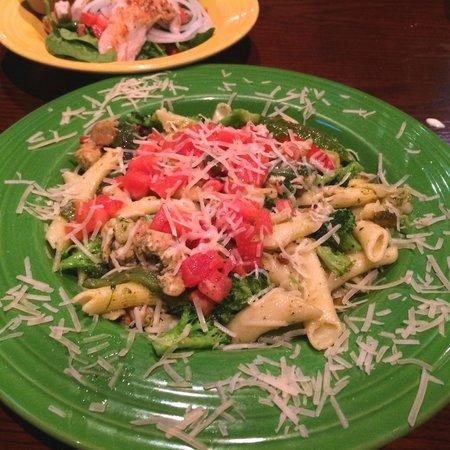 O'Neill's Grill: Pesto Pasta
