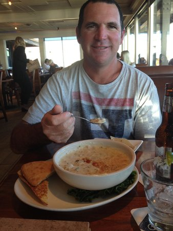 Ventana Grill: Clam Chower was delicious