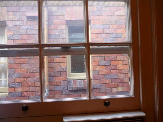Pymble Hotel : Charming view from the room