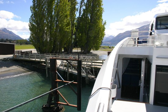 Queenstown Lake Cruise - Southern Discoveries: Mt Nick Station