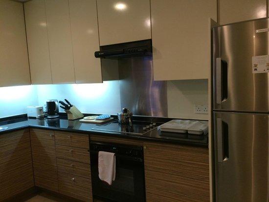 Somerset Chancellor Court : Kitchen