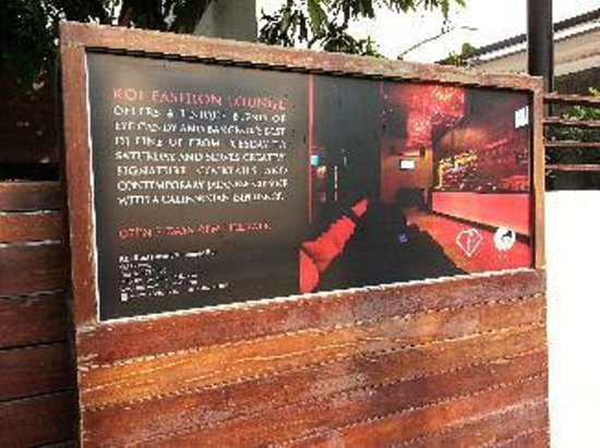 Koi Lounge Bangkok: 看板