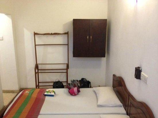 Hotel Sunshine: Room