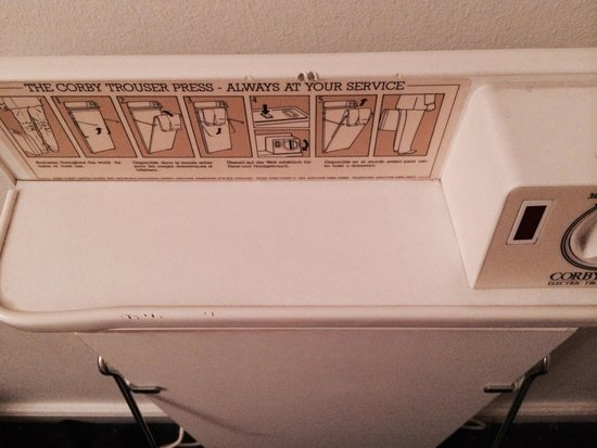 Phoenix Copenhagen : Very old trouser press