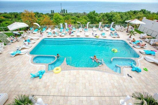 Panorama De Luxe: Swimming pool