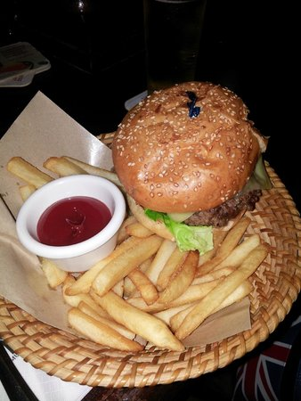 Muddy Murphy's Irish Pub : A Snack, BURGER AND FRIES IN A BASKET