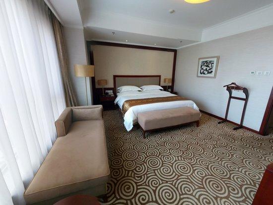 Inner Mongolia Hotel: 豪华套间臥房