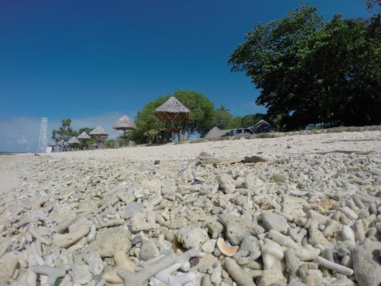 Million Dollar Bay: Million Dollar Point Photo: Santo SUPs