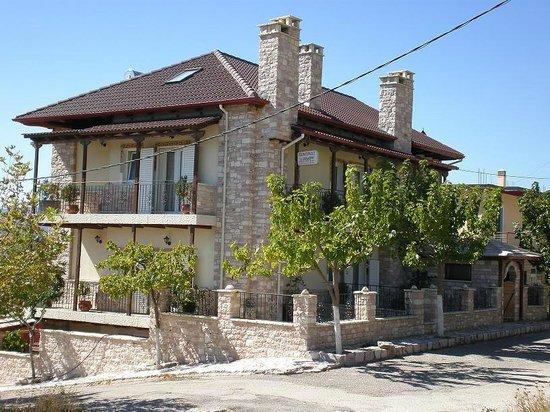 Ti Aidoni Guest House