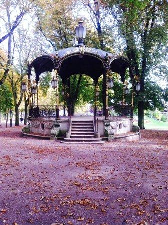 Parc de la Pépinière : Lovely gazebo in Park de la Pépinère