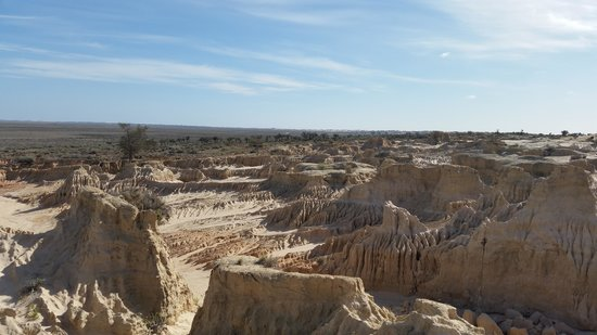 Mungo National Park: vast space