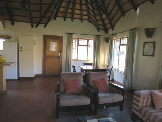 Thendele Hutted camp: room