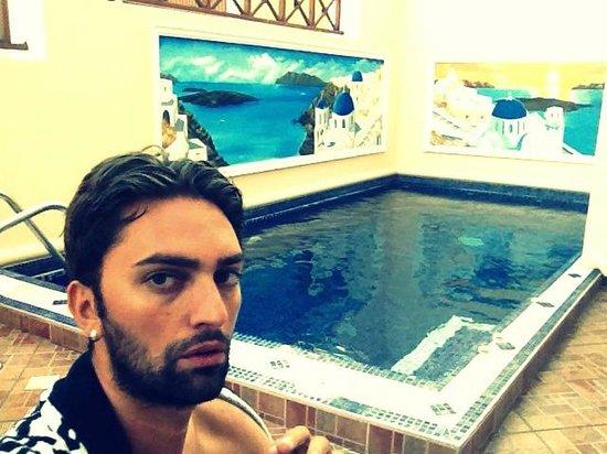โรงแรมอันโตเนีย ซานโตรินี่: Piscina con Idromassaggio