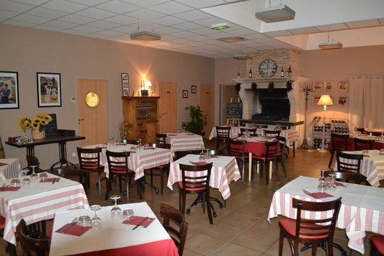 Les Leves-et-Thoumeyragues, فرنسا: Salle à manger