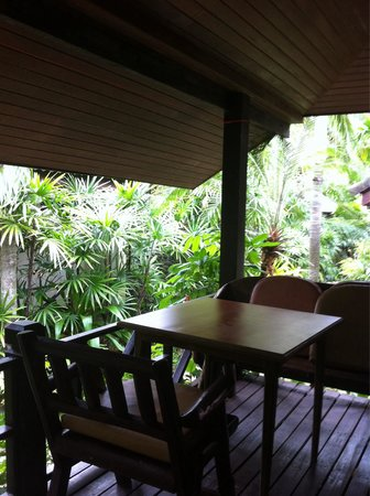 Mae Nam Resort: Terrazzino immerso nel verde..��