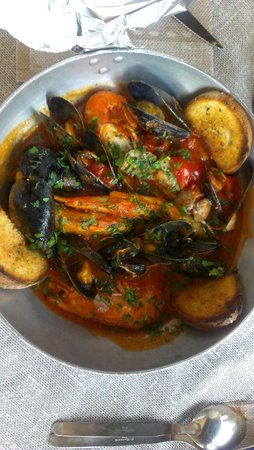L'Osteria dei Due Carrettieri : Суп с морепродуктами томатный